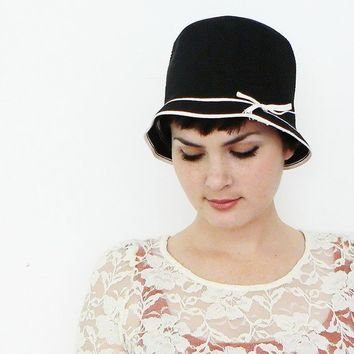 black and white vintage hat by thevintagecloset on Etsy