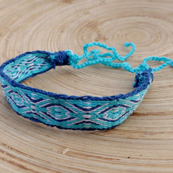card weave bracelet, colorful patterned blue white friendship bracelet, weaving woven ethnic tribal wrist band, women men boho jewelry
