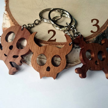 Wooden Cute Skulls Keychain, Walnut Wood, Cartoon Keychain, Environmental Friendly Green materials