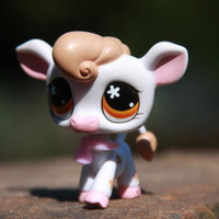 Littlest Pet Shop #476 White & Orange Cow w/ Orange Eyes