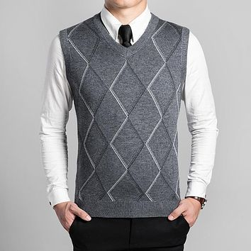 wool sweater vest mens cashmere pullover men V-neck sweaters 2017 winter sleeveless shirt outerwear man clothing