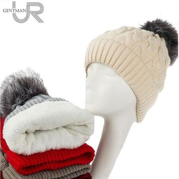 Women Cable Knit Hat With Soft Fur Lining And Pom Pom Trim