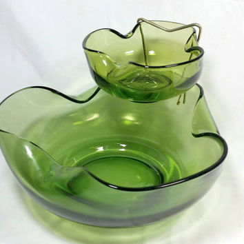 Vintage Anchor Hocking Avocado Green Glass Chip and Dip Bowl/Party Appetizer Mid Century Green Bowl/Green Chips And Salsa Olive Glass Bowls