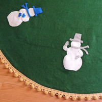 Christmas Tree Skirt 48 inch, Kelly Green Felt, Snowmen, Gold Pom Pom Fringe