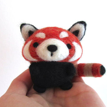 Needle Felted Red Panda, Felt Red Panda, Red Panda Plush, Needle Felt Animal, Wool Animal, Red Panda Art, Red Panda Figurine, Soft Sculpture
