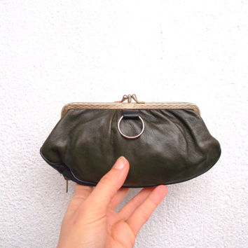 60s 70s Change Purse in Olive Green Color, Aged Clutch Wallet With Gold Tone Frame and Kiss Lock Closure, Mid Century Rustic Gift For Her