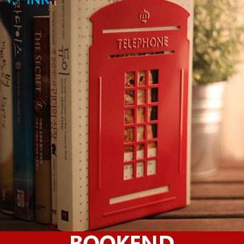 Creative Telephone Booth Metal Book Ends , Novelty Vintage Phone Booth Bookend as book stand for home and office
