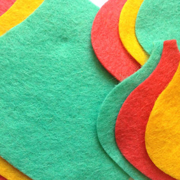 9 Pre Cut Felt Christmas Baubles - Die Cut Christmas Shapes - Scrapbooking, Sewing, Festive Card Toppers, Xmas Craft Supplies UK