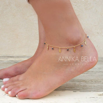 Leaf Charms And Beads Anklet, Gold Leaf Anklet, Delicate Gold Anklet, Layering Anklet, Gold Foot Jewelry, Leaf And Swarovski Ankle Bracelet.