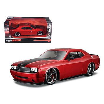 2008 Dodge Challenger SRT8 1:24 Diecast Model Car by Maisto