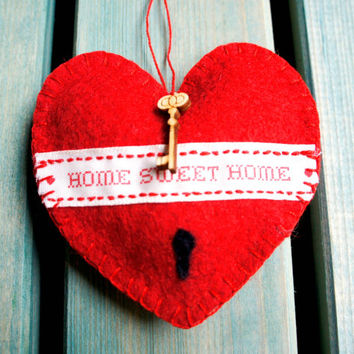 Wool felt heart ornament handmade red Home sweet home country style - new home gift - Wedding Christmas Birthday gift -  Housewarming decor