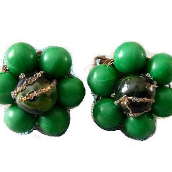 50's Emerald Green Floral Earrings Vintage Japan Thermoset Earrings 60s Mad Men Green Beaded Flower Clip Earrings St. Patrick's Day Jewelry