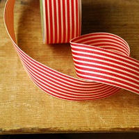 1 yard Red and Ivory Stripe Vintage Style Ribbon - Grosgain Holiday Gift Wraping Supplies by the yard