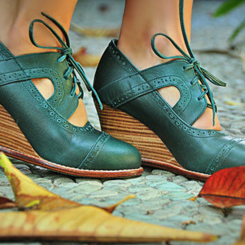 STOCKHOLM. Womens brogues / Leather booties / womens oxfords / womens leather booties. Sizes 35-43. Available in different leather colors.