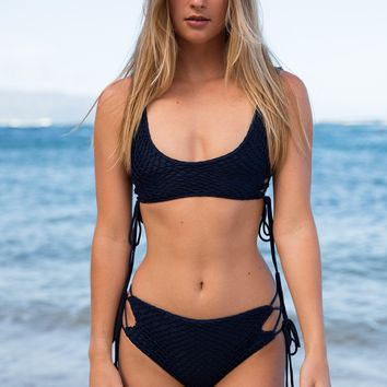 ACACIA Swimwear 2018 Hunter Crochet Top in Catch of the Day- XL