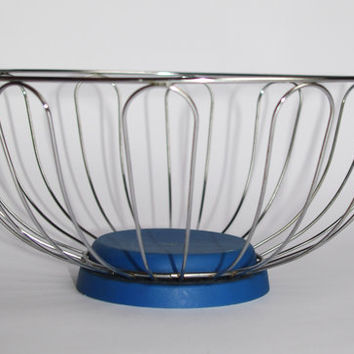 Vintage metal wire basket Fruits basket Made in USSR, Soviet era Wire Round Basket / Bowl Daisy Design with blue, plastic base Fruit Basket