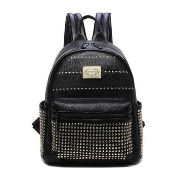 University College Backpack 2018 Women PU Leather  for girls teenagers  school bag Designer Punk Rivet Shoulder Purse Daypack Ladies RuchsackAT_63_4
