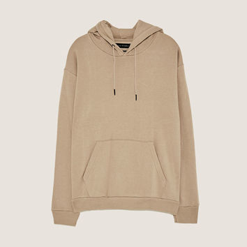 SWEATSHIRT WITH POUCH POCKETDETAILS