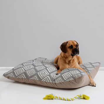 Heather Dutton Diamond In The Rough Grey Pet Bed