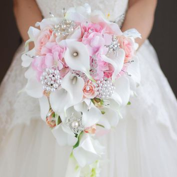 iffo Simulation roses, calla lilies, diamond-studded flowers, pearls, butterfly bridal bouquet white pink wedding accessories