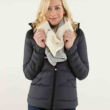 falling freely neck warmer | women's accessories | lululemon athletica