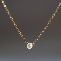 Hau kea necklace - a tiny gold solitaire pearl necklace, delicate pearl necklace, delicate gold necklace, simple peal necklace, maui, hawaii