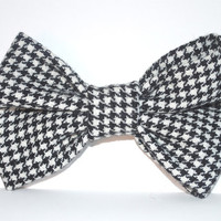 Black and White Houndstooth Print Hair Bow