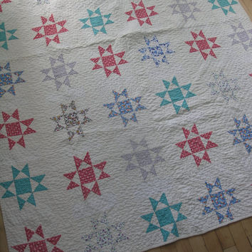 Vintage Ohio Star Pattern Bed Quilt. Handmade Quilt. Small Quilt.