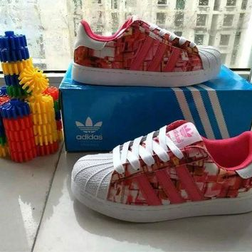 DCCKIJG Adidas' Fashion Casual Multicolor Print Unisex Sneakers Shell Head Plate Shoes Couple