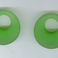 Set 2 20mm Grass Green Sea Glass Gogo Donut PI Pendant Beads