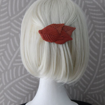 terracotta leafs hairclip, brick red leafs hair clip, leather leaves, red barrettes, leather hair pin, casual hair clip,
