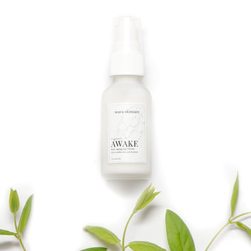 Under Eye Cream - Treat Dark Circles, Puffiness, Fine Lines and Wrinkles - Natural & Organic Ingredients - Excellent for Sensitive Skin