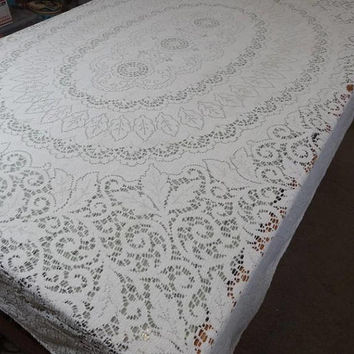 1960s Vintage Quaker Lace Tablecloth in Ivory Cotton for Upcycle Supply, 62 x 76, Scrolling, Vintage Table Linens, Vintage Lace Tablecloth