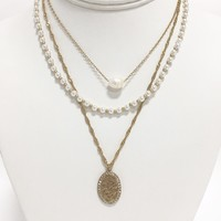 In The Loop Pearl Layered Necklace in Gold