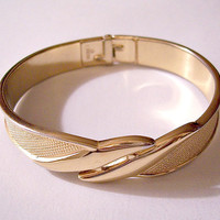 Monet Double Wave Wrap Bracelet Bangle Gold Tone Vintage Pinpoint Texture Small Wrist Hinged Spring Clamper Rimmed Edge