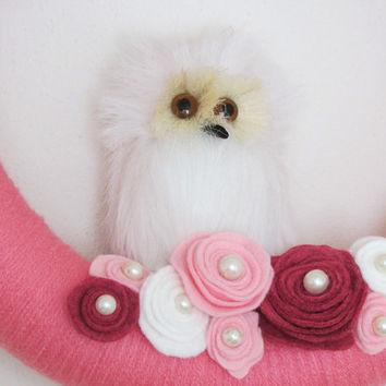 White Owl Pink Wreath, Pink Yarn Wreath, Red Pink Rose Wreath