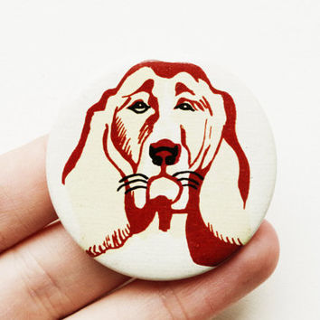 25% SALE Vintage (4 cm) 1.57'' dog pet animal canine basset hound brooch badge token clasp pinion pin button cordon band medallion pin