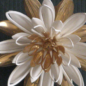 Gold-tone White Enamel Tiered Flower Brooch Pin Wire Leaves Vintage Sarah Coventry