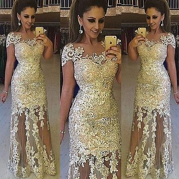Elegant Illusion Lace Evening Dresses Robe De Soiree Lace Applique Floor Length Formal Prom Party Dresses With Cap Sleeves