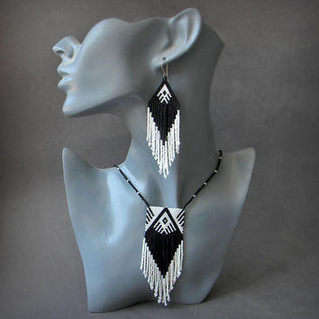 Black and White peyote beaded necklace - seed bead jewelry - beaded pendant - ethnic