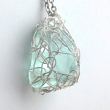 Green Flourite Silver Wire Crochet Pendant, Elven Jewelry, Cosplay, Elf Pendant, Fairy Pendant, Wire Crochet Jewelry