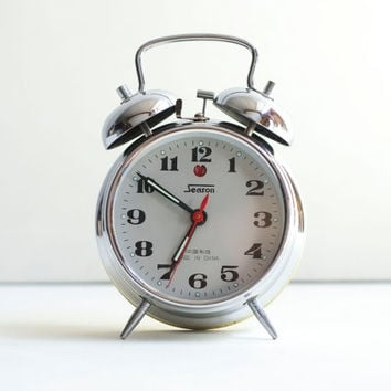 Classic Wind Up Double Bell Bedside 1970's Silver Metal Ringing Alarm Clock