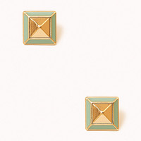 Lacquered Pyramid Studs