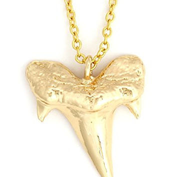 Shark Tooth Necklace Gold Tone Sea Wildlife Pendant NX68 Nature Fashion Jewelry