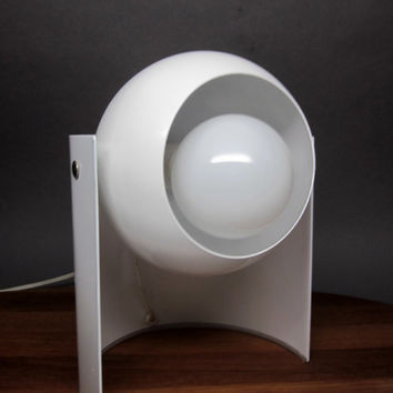 Swiveling Eyeball Table Lamp