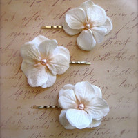 Set of 3 Hydrangea Blossom Bobby Pins Flower Hairpins by cshiver