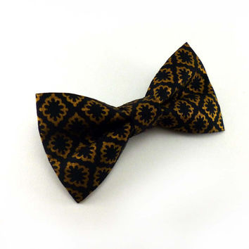 Black and gold metallic print clip on bow tie – mens or womens unisex adult size – glam wedding or prom clipon bowtie – diamond print