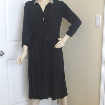 1940s Vintage Little Black Dress with Lace Collar & Bead Trim, Small, Front Snap, Rayon Crepe, Vintage Clothing, Vintage Black Career Dress