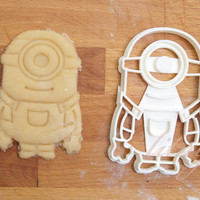 Despicable Me Minion cookie cutter - one eye