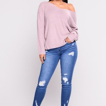 She Gave It All Ankle Jeans - Medium Blue